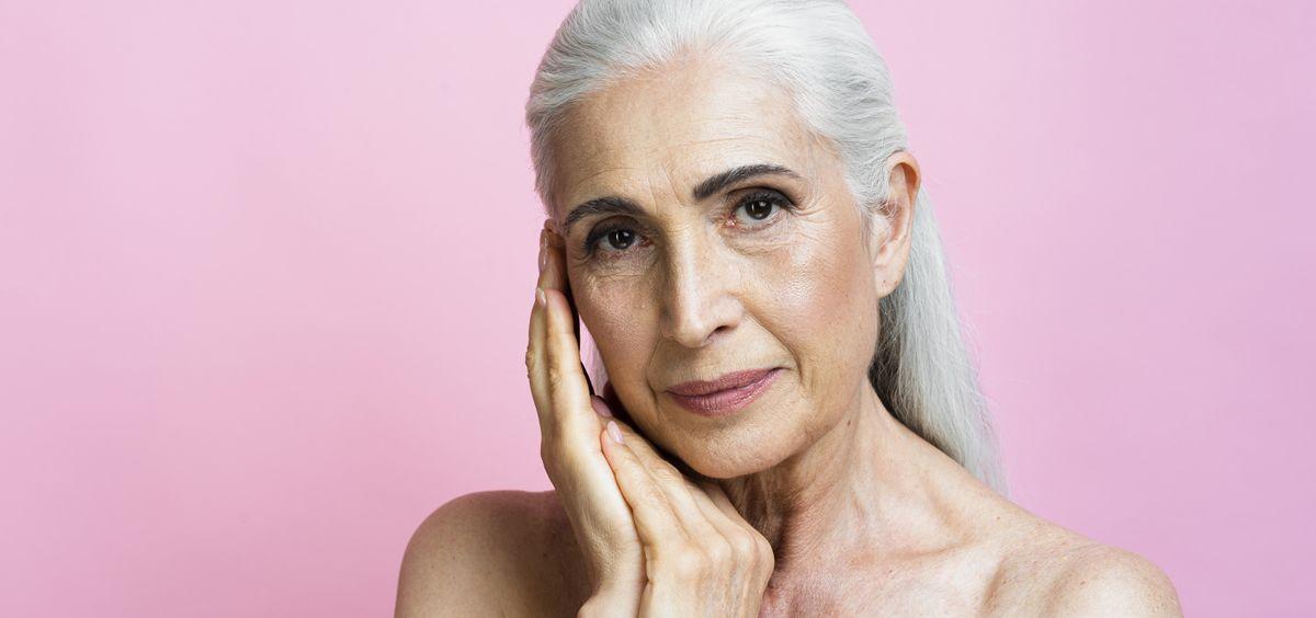 A medida que sumamos años, nuestra piel empieza a experimentar una serie de cambios y aparece el temido envejecimiento (Foto. Freepik)