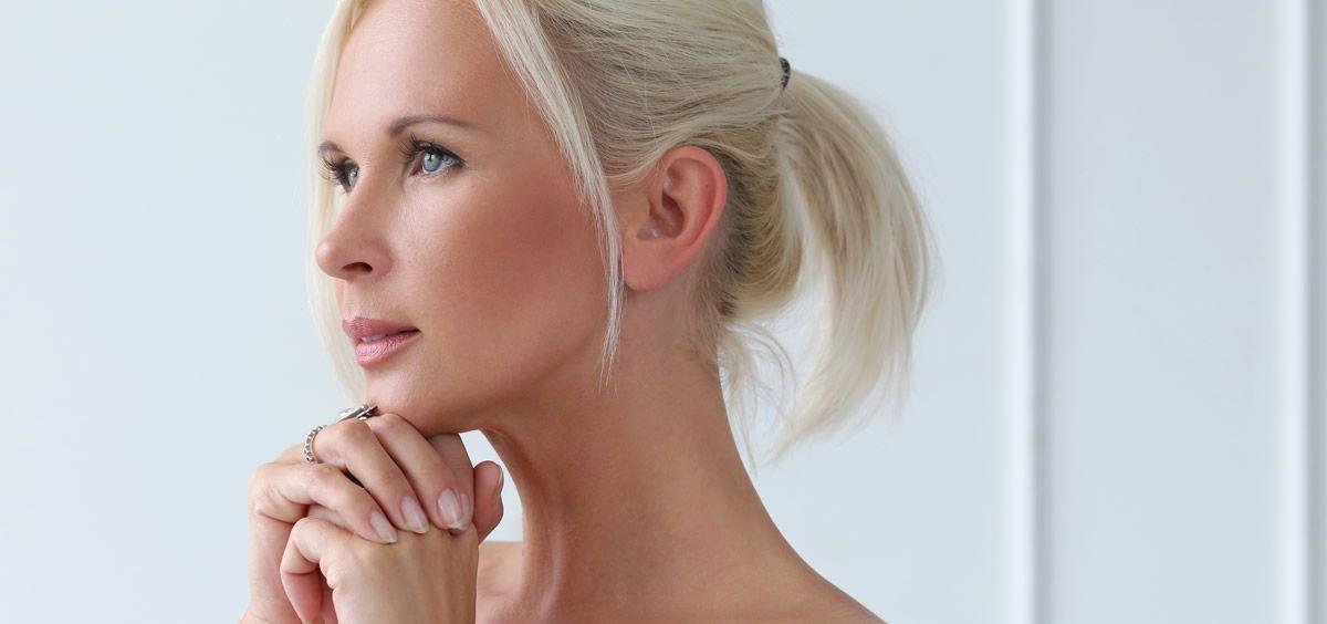 El maquillaje con piedras preciosas consigue una belleza increíble (Foto. Freepik)