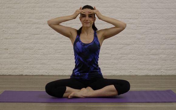 Elsa Aguirre, profesora de Yoga en Aomm.tv y elsayoga.es.