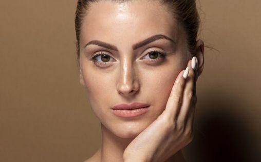 Cinco pautas para mantener a raya el acné