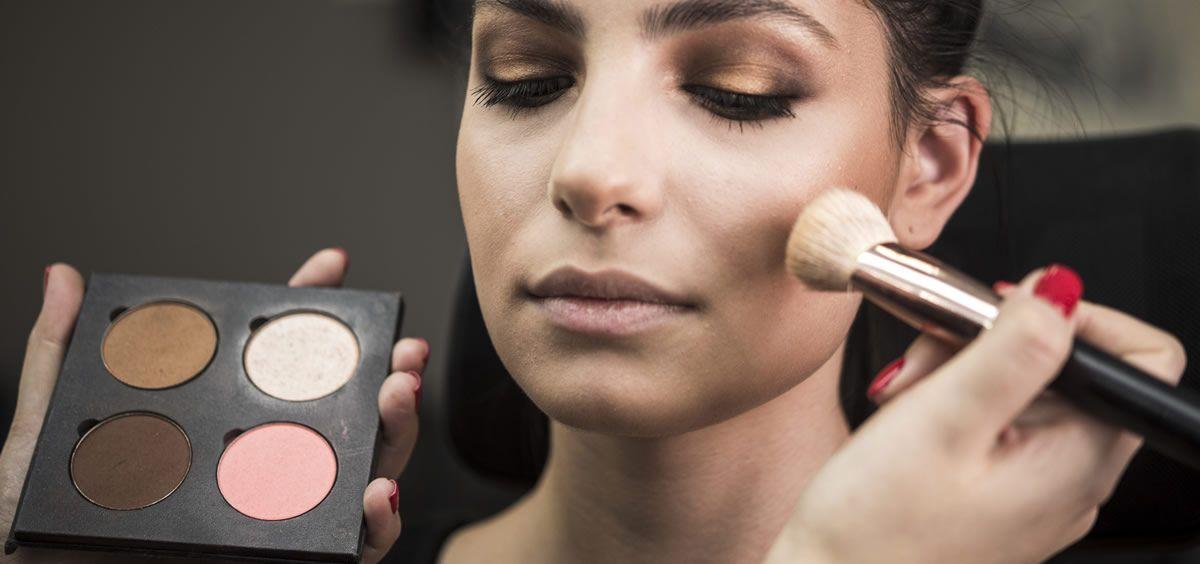En numerosas ocasiones nos hemos planteado si el maquillaje tiene fecha de caducidad (Foto. Freepik)