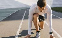 Un hombre deportista debe llevar una alimentación adecuada (Foto. Freepik)