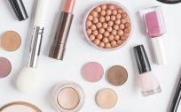 Productos de maquillaje (Foto. Freepik)