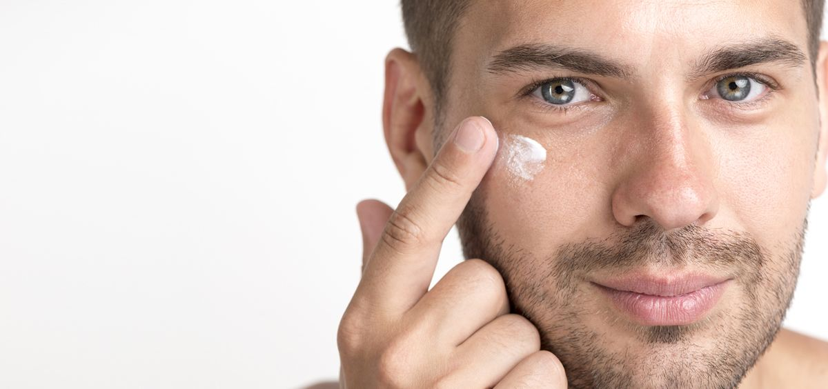 Descubre cómo eliminar las ojeras (Foto. Freepik)
