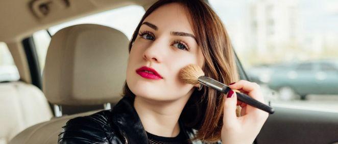 Los mejores trucos para un maquillaje exprés (Foto. Freepik)