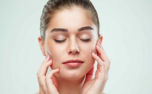 ¿Utilizas exfoliantes granulados? Podrías estar acelerando el envejecimiento de tu piel
