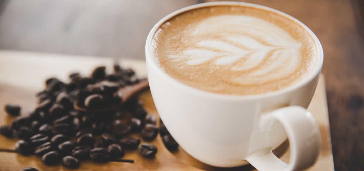 El café es una de las bebidas más consumidas por la población (Foto. Freepik)