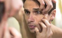 El control de los brotes y los granos, y la reducción de las marcas de acné se produce desde el primer momento y va progresando (Foto. Freepik)