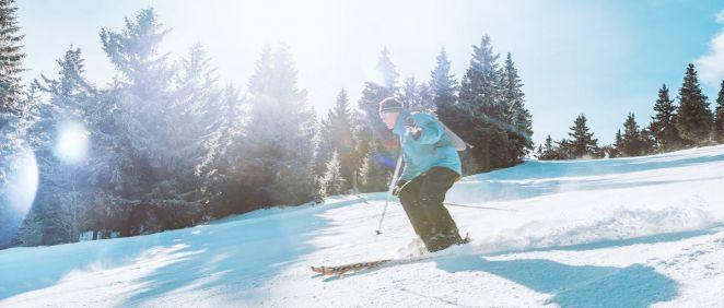 La protección solar es indispensable si se practica este tipo de deportes (Foto. Freepik)