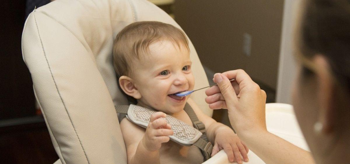 No es tarea fácil para los bebés acostumbrarse a su nueva rutina de alimentación (Foto. Estetic)