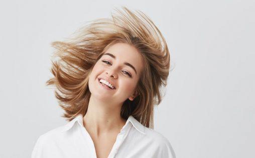 Lo que debes saber sobre el cabello en verano (y el devastador efecto de las siliconas)