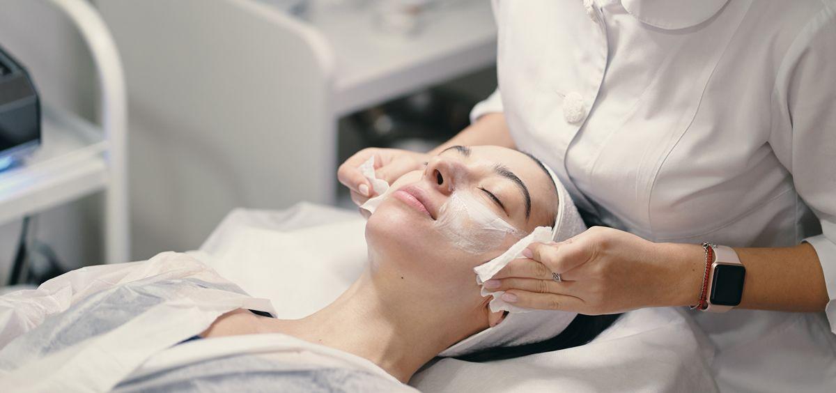 Masaje facial (Foto. Freepik)
