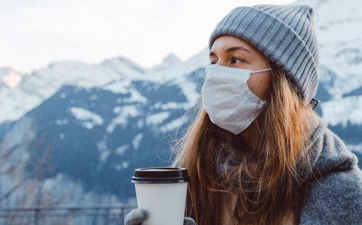 El frío y la mascarilla aumentan los problemas en la piel