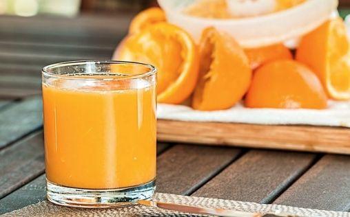 Zumo de naranja natural, ¿por qué debemos tomarlo cada mañana?