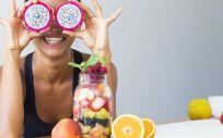 Descubre los riesgos y beneficios de las dietas líquidas