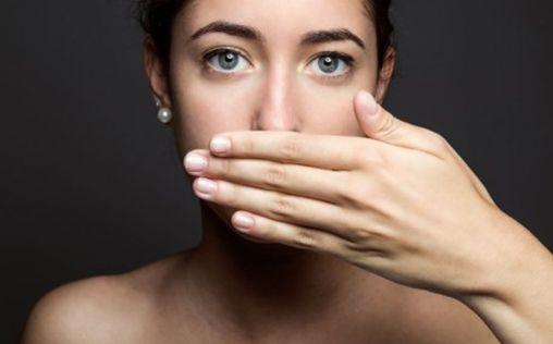 ¿Por qué huele mal el aliento cuando haces dieta?