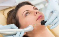 Existe un lifting facial sin cirugía para combatir el envejecimiento