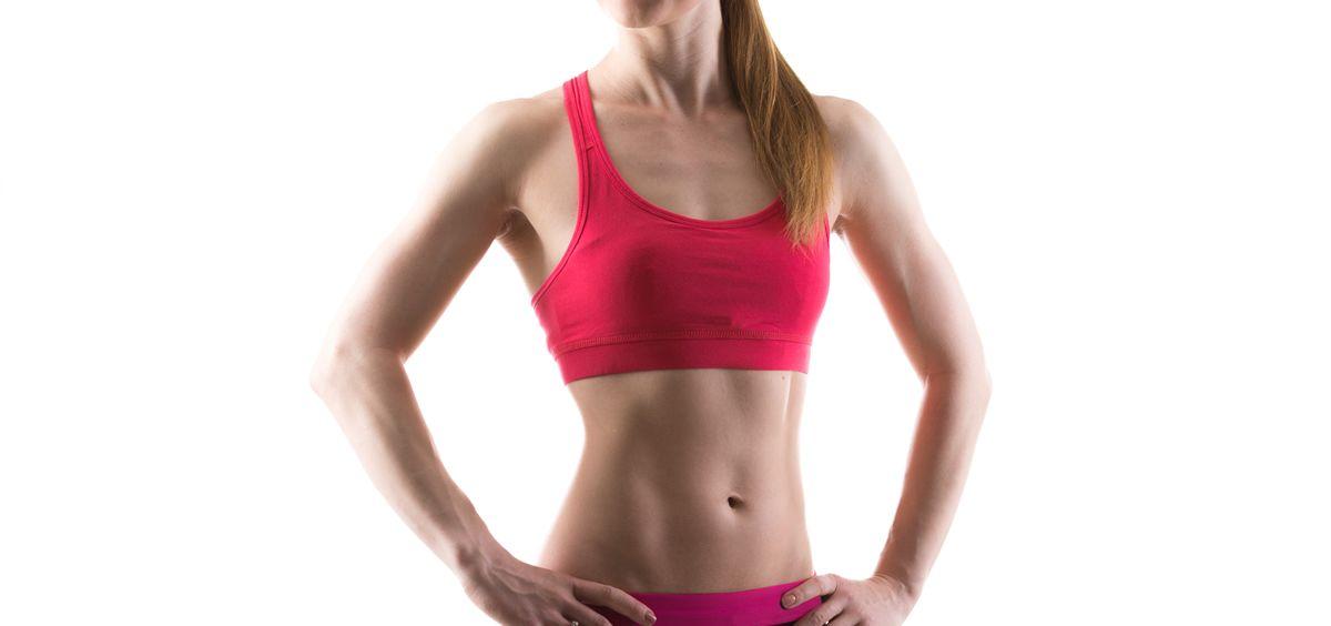 Luce un vientre plano con los abdominales hipopresivos