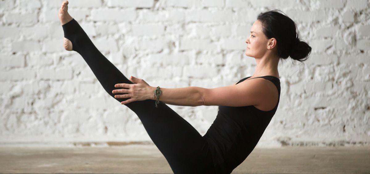 Los ejercicios del pilates ayudan a relajarse, a liberar endorfinas que mejoran el estado de ánimo y a relajar los músculos tensionados