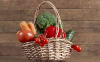 Hay que contactar con un especialista que nos indique cuáles son los mejores alimentos, no solo para perder peso, también para mantener en buenas condiciones nuestro organismo