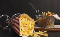 La acrilamida está en presente en alimentos como las patatas fritas