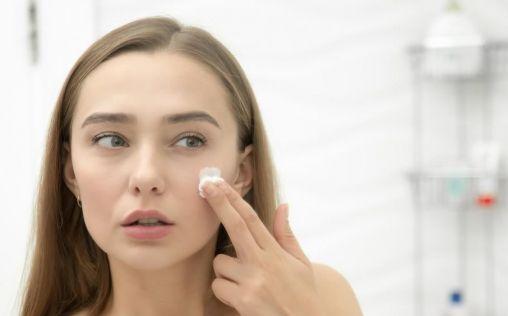 Consigue una piel unificada e iluminada… con estos tres productos