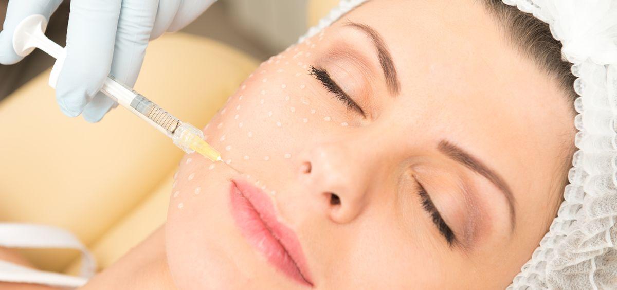 La carboxiterapia ha cobrado fuerza en el mundo de la estética por los numerosos beneficios que aporta para la piel