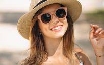 Una de las principales recomendaciones que hacen los expertos es la de utilizar gafas de sol