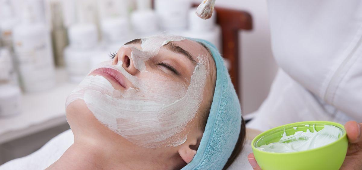 La piel sufre durante los meses de verano los excesos producidos por la sobre exposición a factores externos