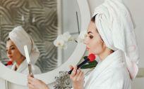 Elegir los cosméticos adecuados es esencial para el cuidado de la piel