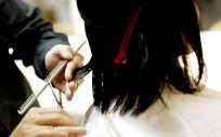 Uno de los mitos que corren sobre el cabello es que crece más rápido al cortarlo