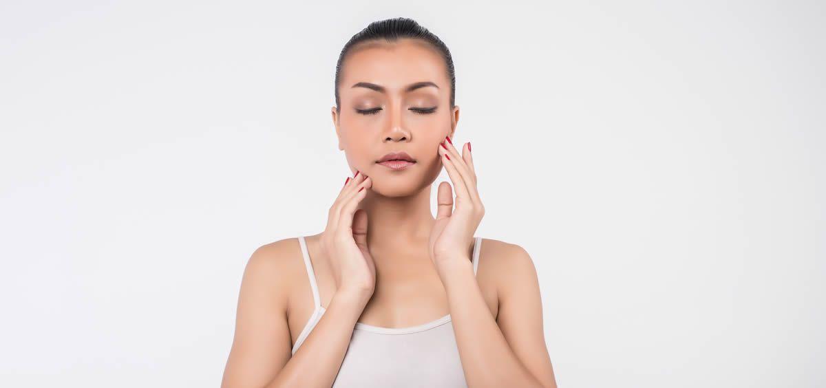 Los tipos de manchas que pueden aparecer en la piel del rostro son muchos