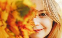La caída del cabello en el otoño es un problema que se produce cada año cuando los días de verano llegan a su fin