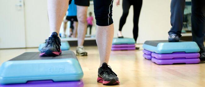 El step es un ejercicio ideal para tonificar piernas