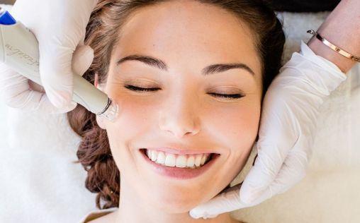 Así es el tratamiento facial que rejuvenece y limpia tu piel