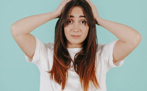 Pérdida de cabello en mujeres, ¿cuáles son sus causas y soluciones?
