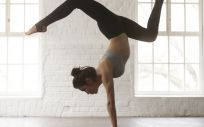 El bikram yoga y el fitbooxing son dos disciplinas que vienen pisando fuerte