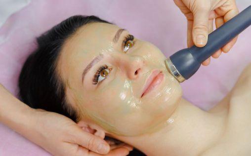 Lifting facial sin cirugía, la opción ideal para rejuvenecer tu rostro
