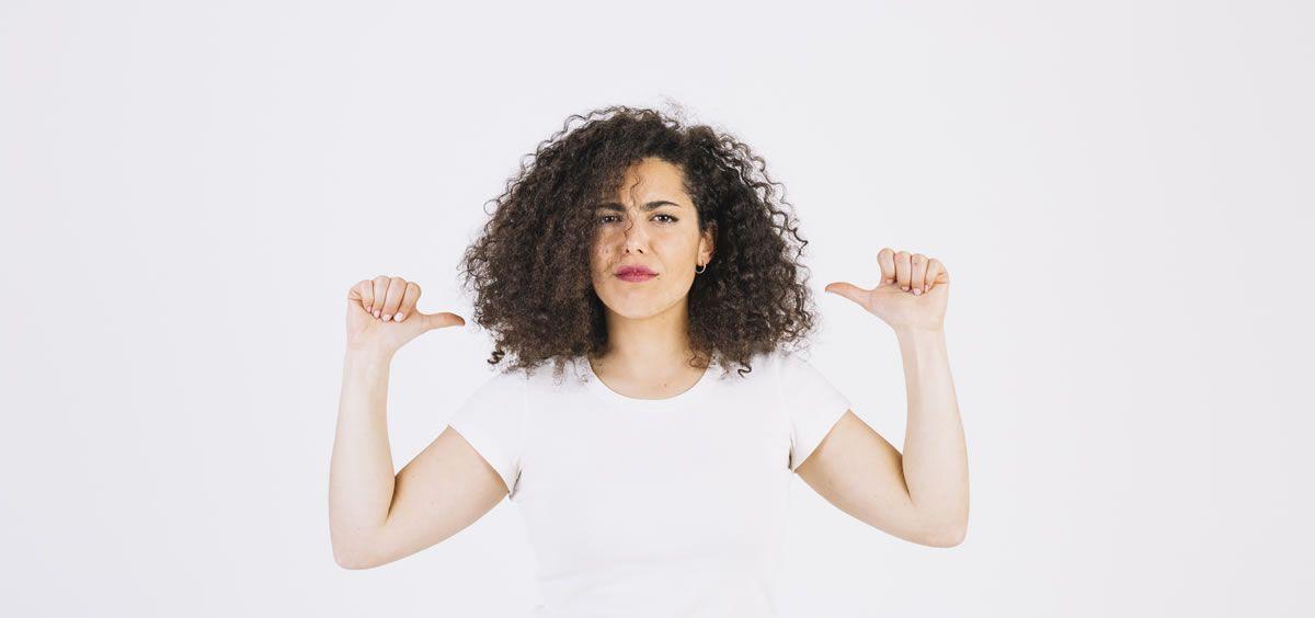 Los cabellos más débiles y dañados son más propensos al encrespamiento