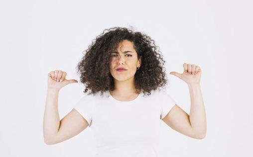 Di adiós al encrespamiento del cabello con estos tips