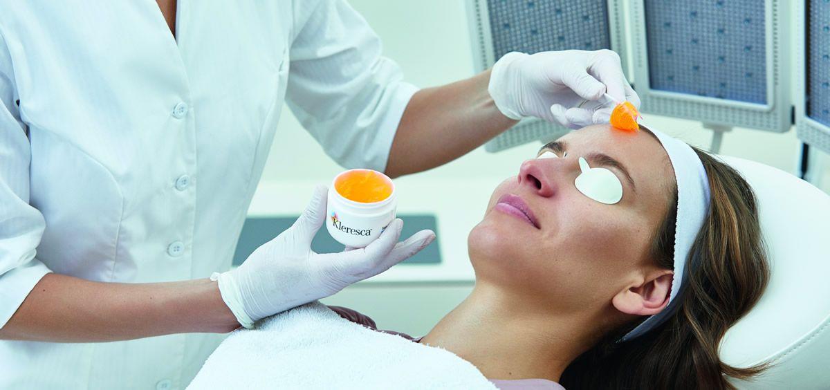 Descubre el primer tratamiento basado en la fluorescencia para acabar con la rosácea