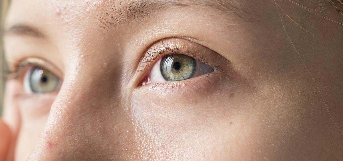 El cansancio, la polución, el estrés o la falta de sueño se reflejan en el contorno de ojos