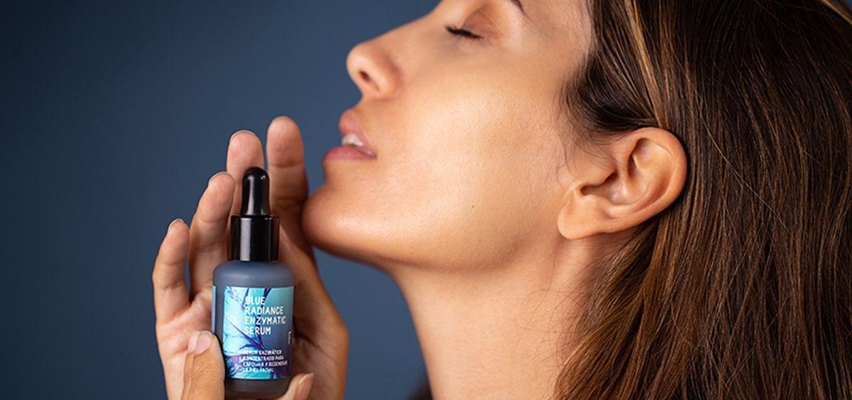 Nuevo sérum Blue Radiance de Freshly Cosmetics