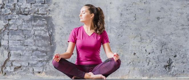 Cada día son más las personas que se apuntan a la práctica del yoga