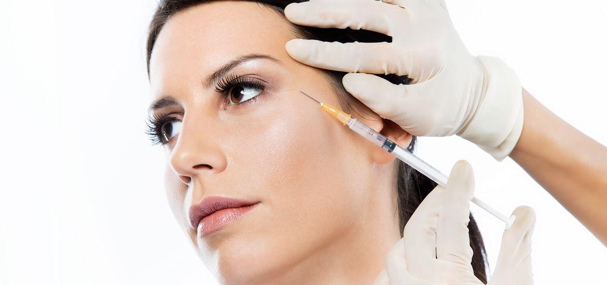 Existe una gran variedad de técnicas médico-estéticas exprés no invasivas, como la mesoterapia y los hilos tensores