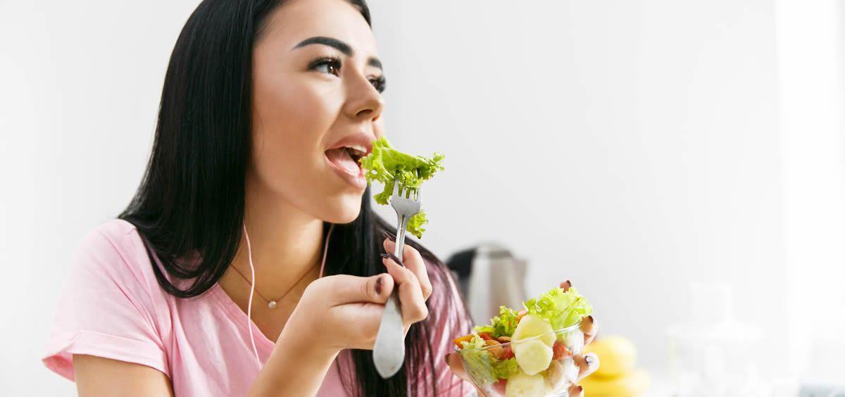 Para seguir un estilo de vida saludable, es básico poder tener conciencia de qué alimentos y principios activos ayudan realmente a limpiar el organismo