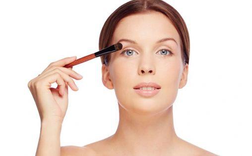 Tips para maquillar la piel grasa (y que no salgan brillos)