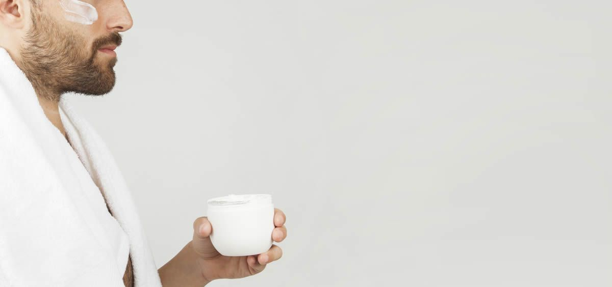 los hombres buscan productos que hidraten su piel - Piel sensible en hombres, ¿cómo cuidarla? -