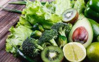 Los alimentos de color verde tienen un papel importante dentro de una alimentación saludable