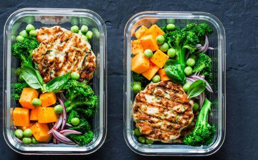 Sigue estos tips si quieres preparar un tupper saludable y comer sano en la oficina